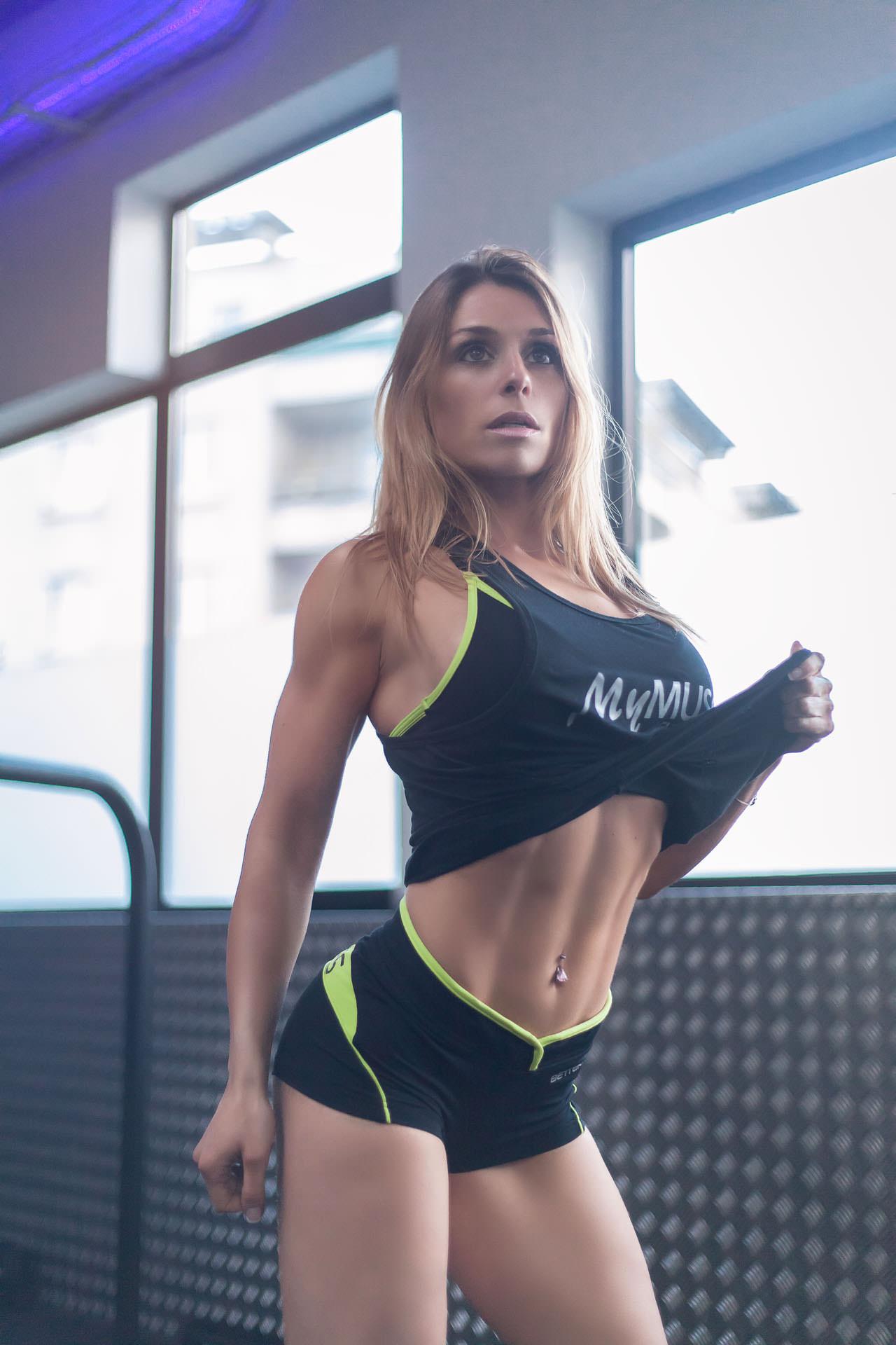 2017-02-24 - Alexandra - MyMuscle - FitnessPark - 3452 - V2 - 1920px
