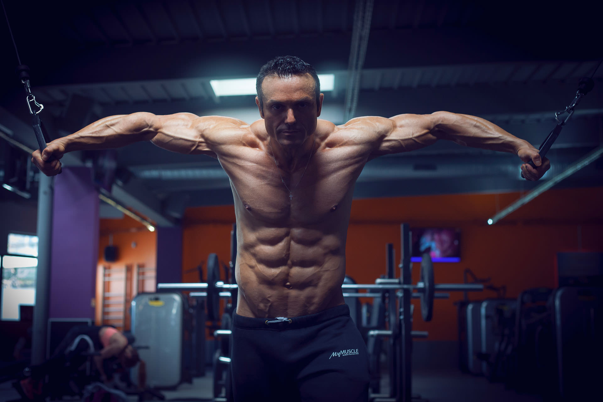 2017-02-24 - Enzo Foukra - MyMuscle - FitnessPark - 4362 - 1920px
