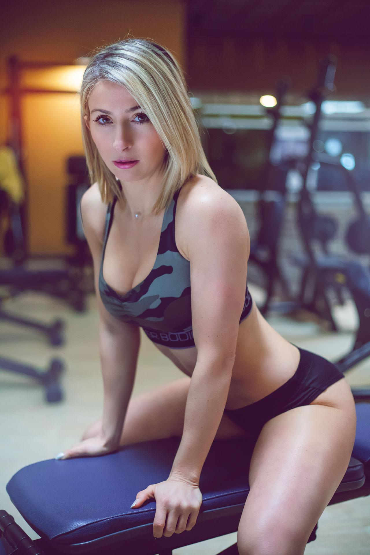 2017-03-02 - Jess Combes - ParadiForm - 3505 - 1920px