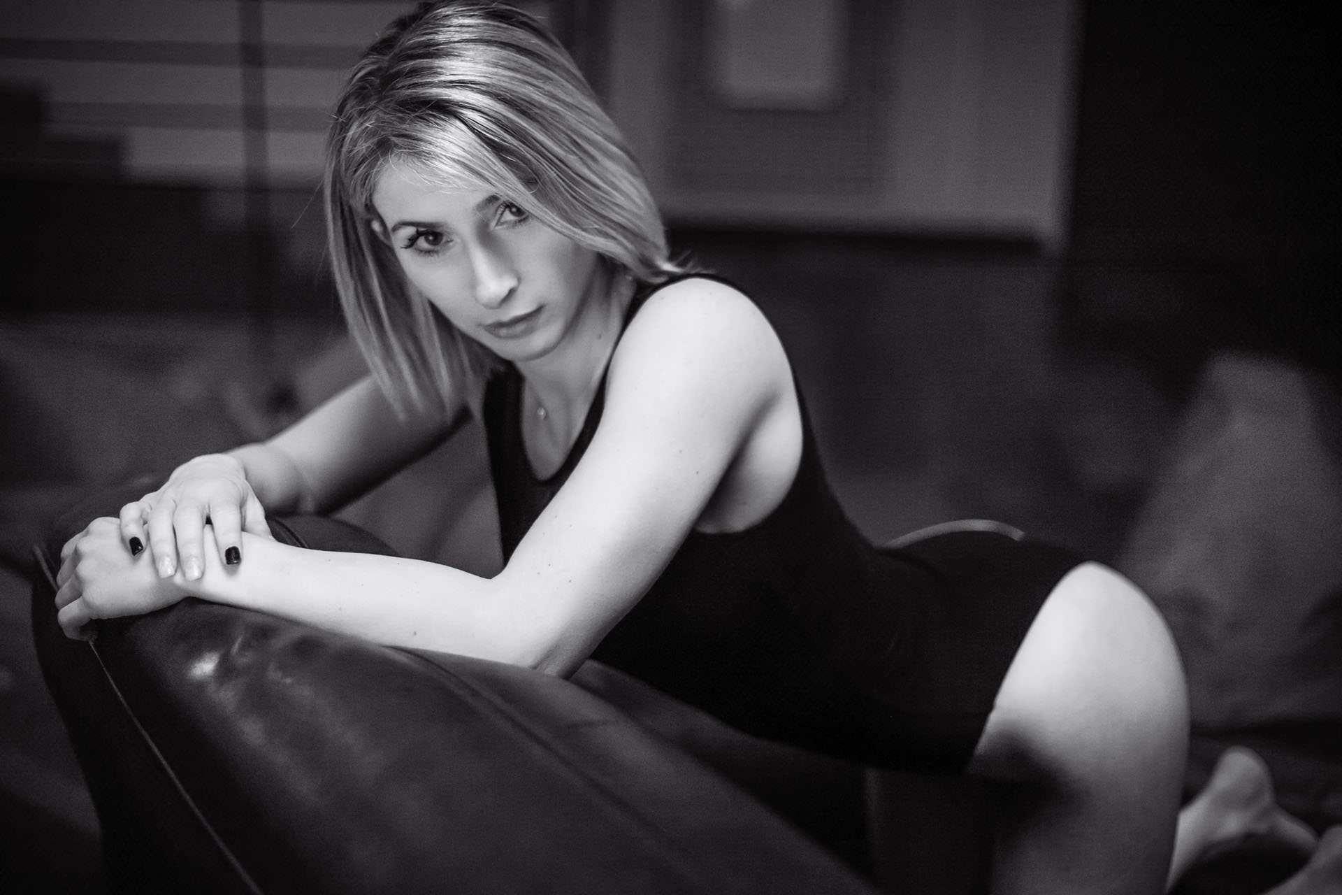 2017-03-02 - Jess Combes - ParadiForm - 3606 - 1920px