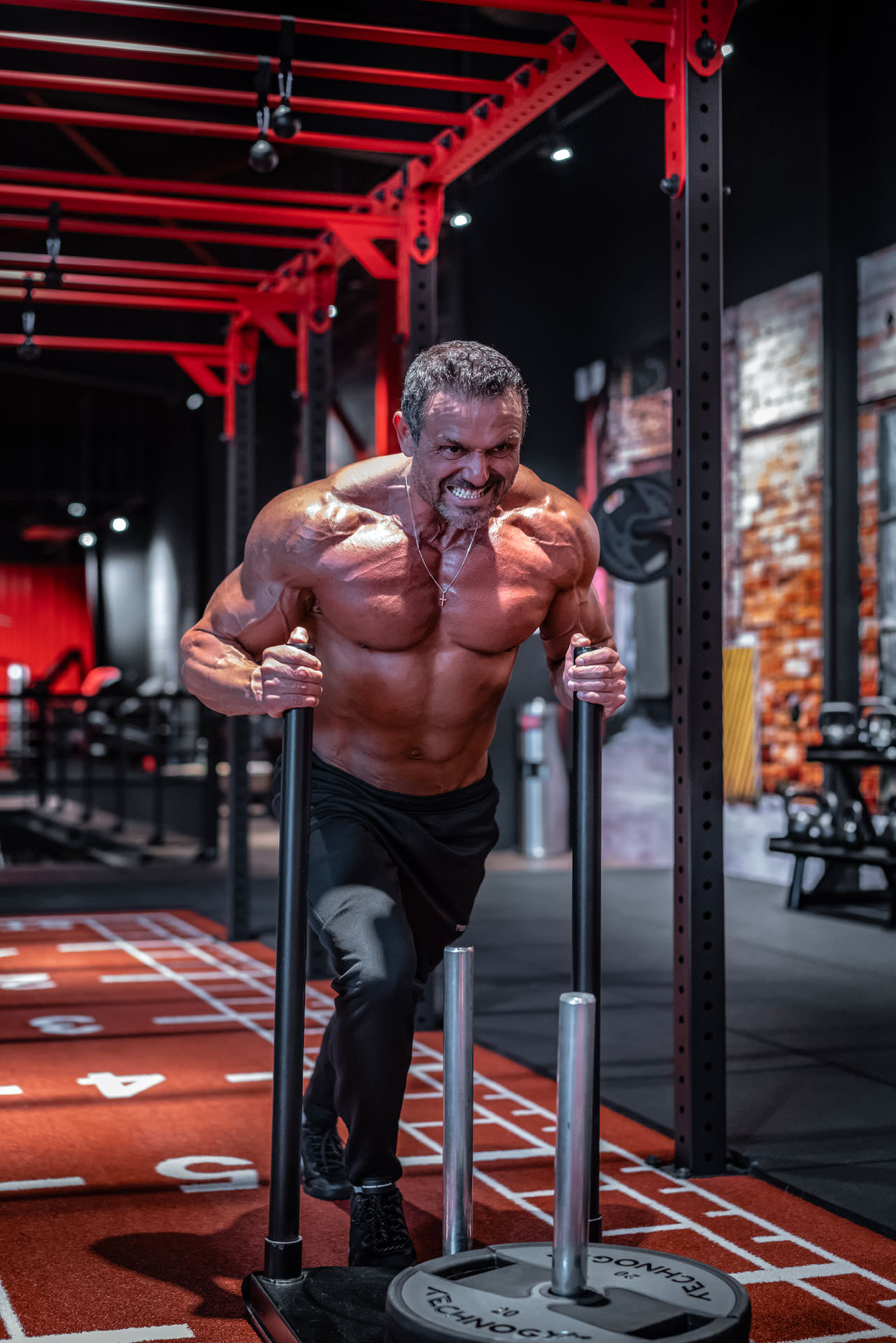 2019-03-04 - Enzo - Muscle & Fitness - 06756 - 1920px